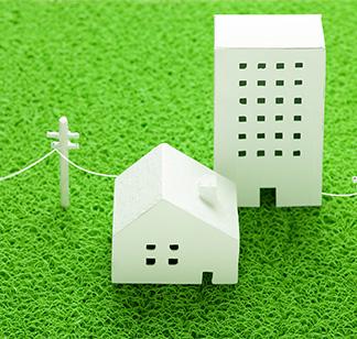 建物と電線