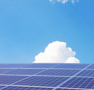 再生可能エネルギーによる電力の買取価格は経済産業大臣が毎年決定しています。