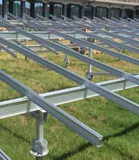 太陽光発電用架台・杭イメージ