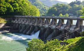 水力発電は日本にピッタリ!仕組み・種類・メリット・課題を徹底解説